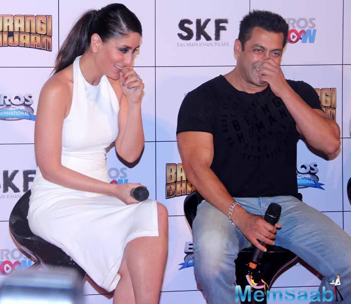 Salman Khan With His Co-Star Kareena Kapoor At Bajrangi Bhaijaan Trailer Launch