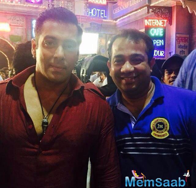 Salman Khan Is Seen Here Shooting For The 'Eid' Song From His Movie Bajrangi Bhaijaan