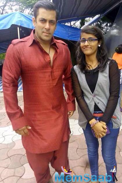 Salman Shoots For The Eid Number And Pose With A Fan