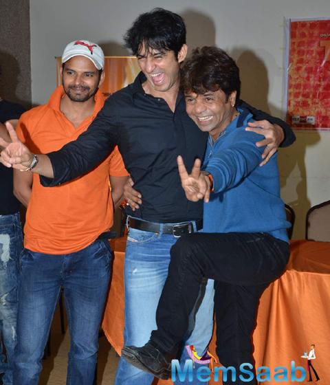 Hiten Tejwani And Rajpal Yadav Cool Pose During The Promo Launch Of Thoda Lutf Thoda Ishq