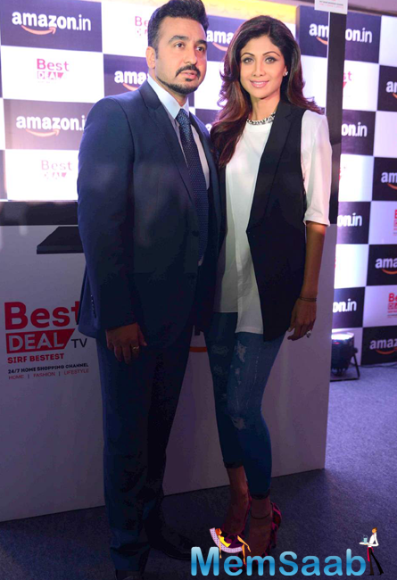 Raj Kundra And Shilpa Shetty Strikes A Pose For Camera At Amazon.In