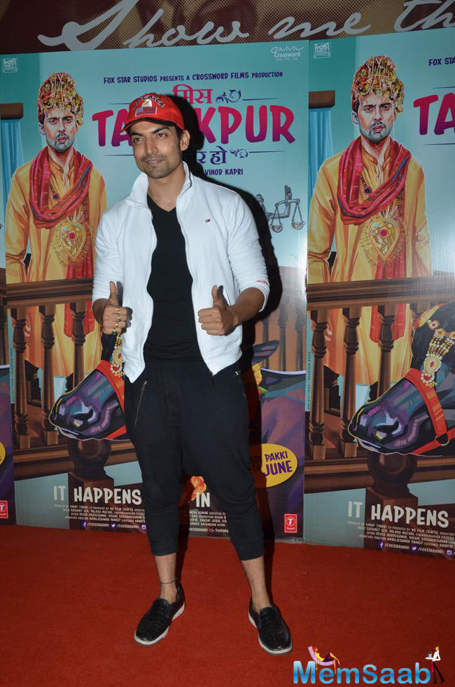 Gurmeet Choudhary Poses For The Shutterbugs In Style