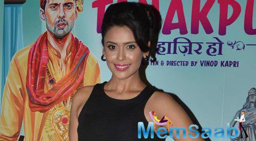 Hrishitaa Bhatt Smiling Look During The Miss Tanakpur Movie Premiere Event
