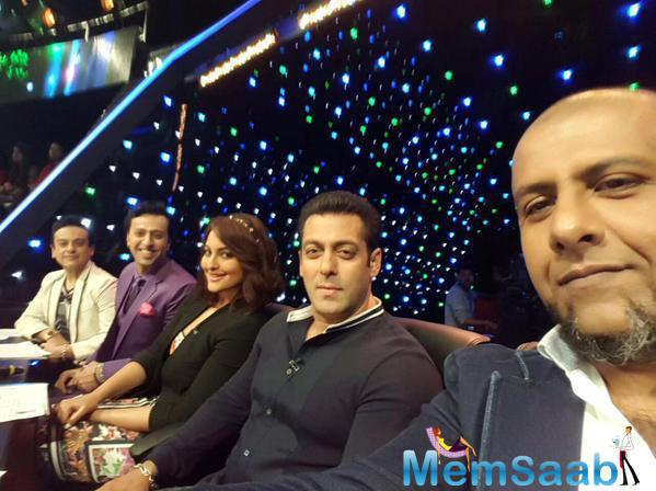 Adnan,Salman,Sonkashi And Salim During The Promotion Bajrangi Bhaijaan On The Sets Of Indian Idol Junior
