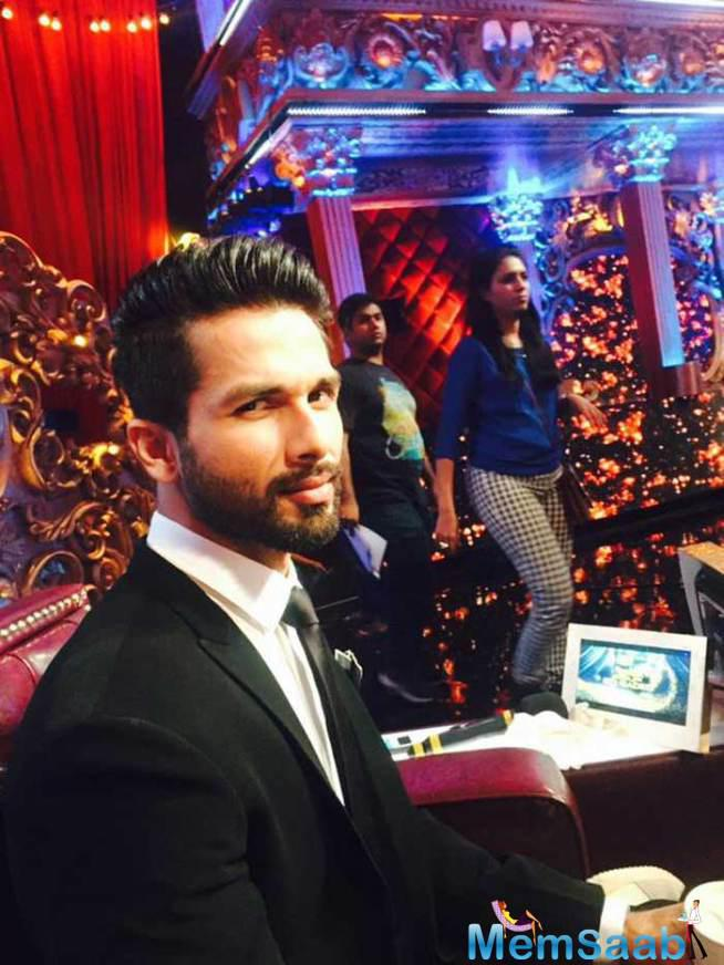 Shahid Kapoor Is The Coolest Judge At The First Day Of Jhalak Dikhhla Jaa 8