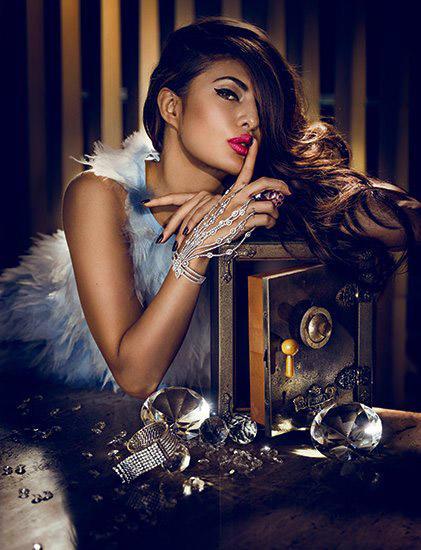Jacqueline Fernandez Looking Gorgeous On Vogue Magazine July 2015