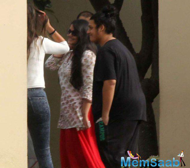 Shahid Kapoor's Stepbrother Ruhaan Enter To The Hotel