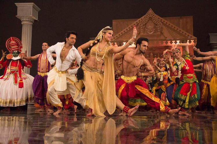 Riteish,Jacqueline And Pulkit Danced Pose From Ishq Karenge Song
