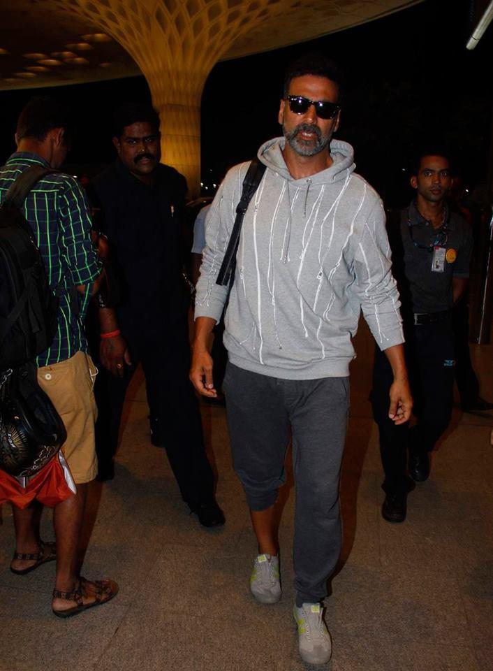 Akshay Kumar Snapped At The Airport As He Was Leaving For The Next Movie Singh Is Bling Shoot