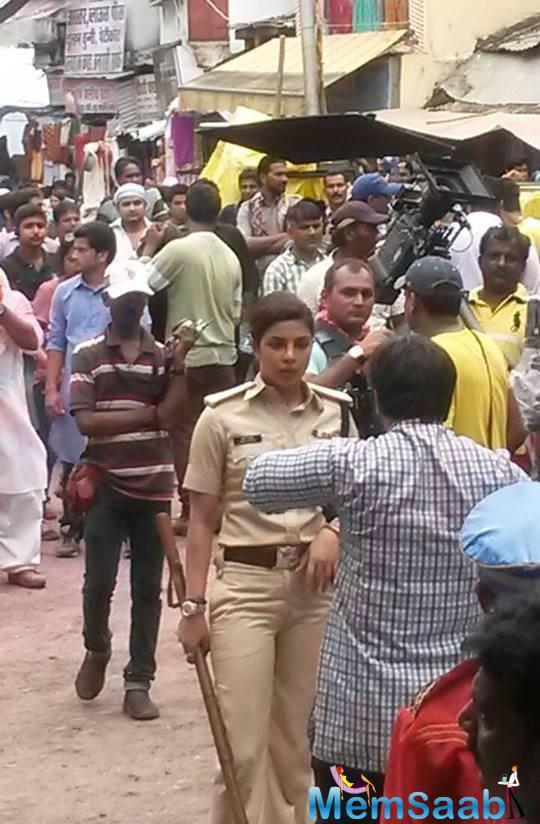 First Look Of Priyanka Chopra As Cop Abha Mathur In Gangaajal 2