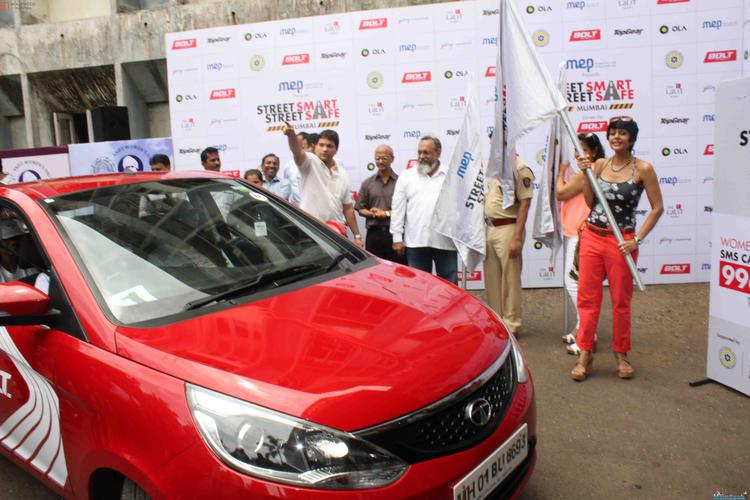 Mandira Bedi Flags Off The Street Smart Street Safe Women Safety Drive