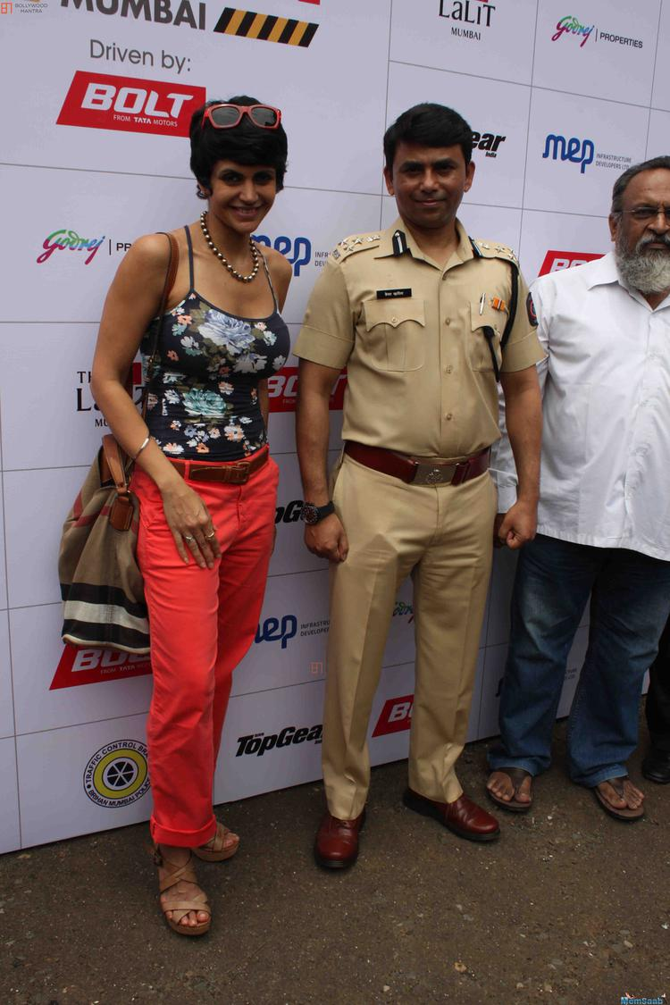 Mandira Bedi Poed For Camera During The Women Safety Drive Campaign