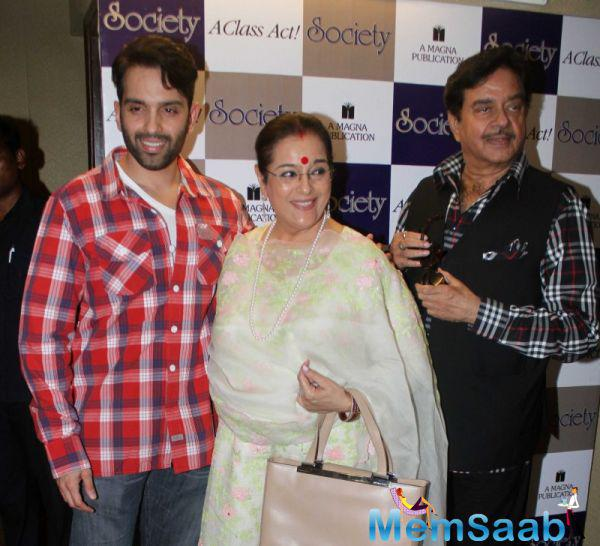 Luv Sinha Posed With Dad Shatrughan Sinha And Mom Poonam Sinha During The Society Magazine Cover Launch Event