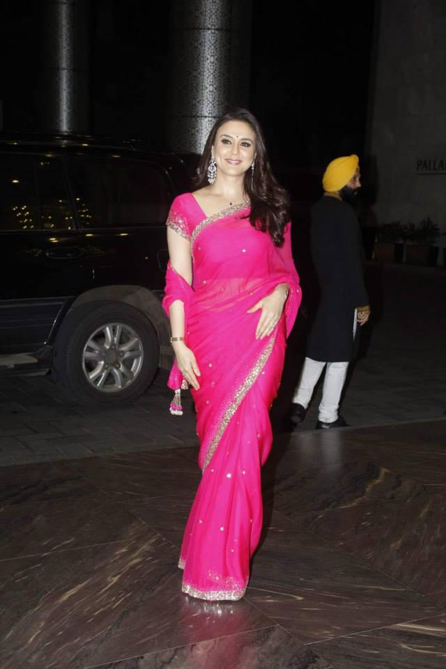 Preity Zinta In Pink Saree Graced At Shahid Kapoor And Mira Rajput Wedding Reception