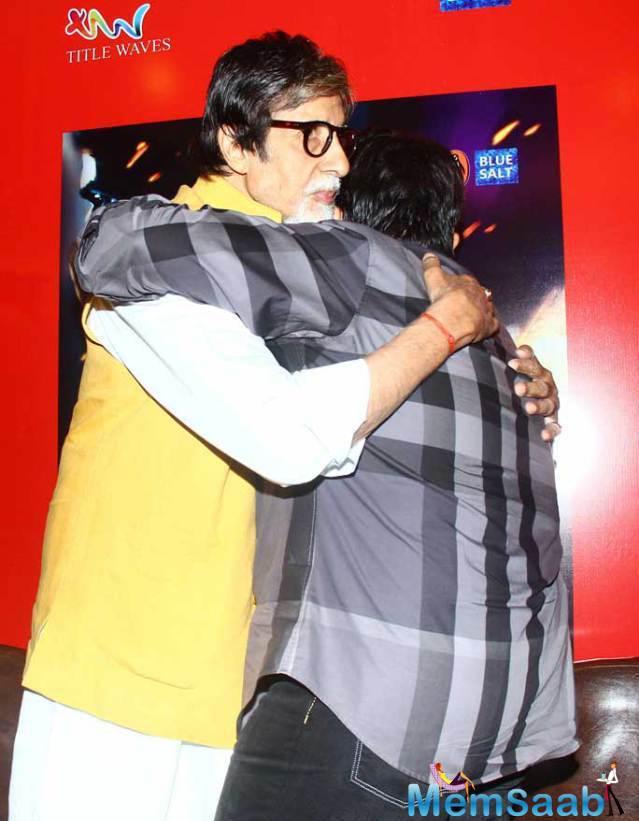 Amitabh Bachchan Greeted Shadaab Khan Warmly With A Hug
