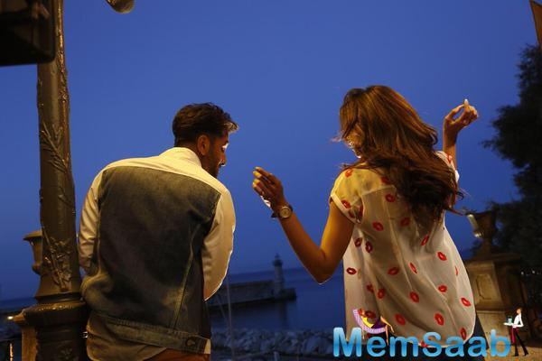 Deepika Padukone And Ranbir Kapoor Starrer Tamasha's First Look