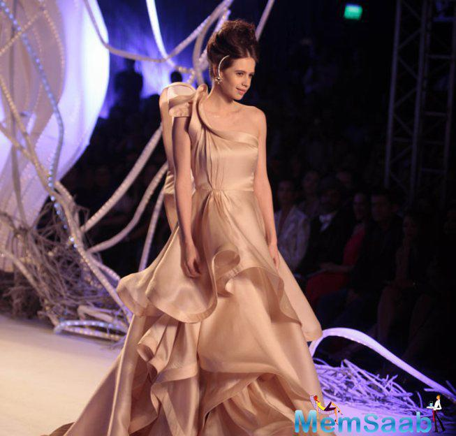 Kalki Koechlin Looks Stunning As She Walked The Ramp At The Amazon India Couture Week 2015