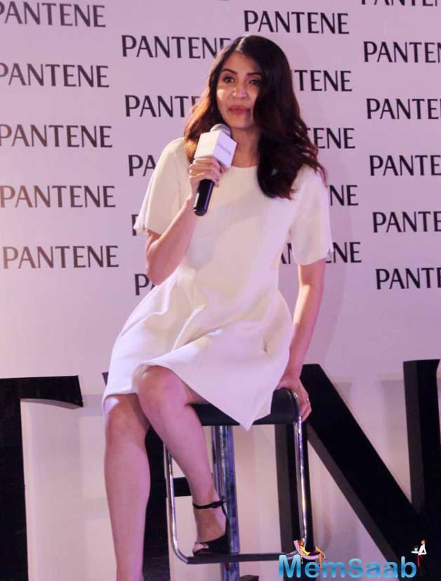 Anushka Sharma Interact With Media