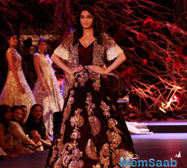 Aishwarya Back On Ramp, Brings A Magical End To Couture Week 2015