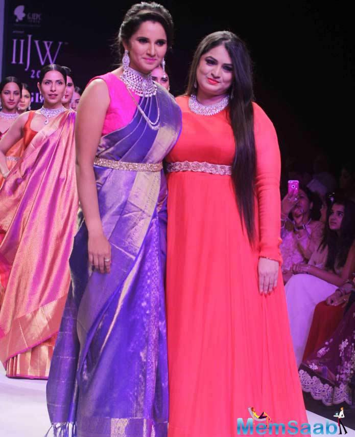 Sania Displayed The Collection Of Designer Moni Agarwal For Her Brand, Zohrakshi