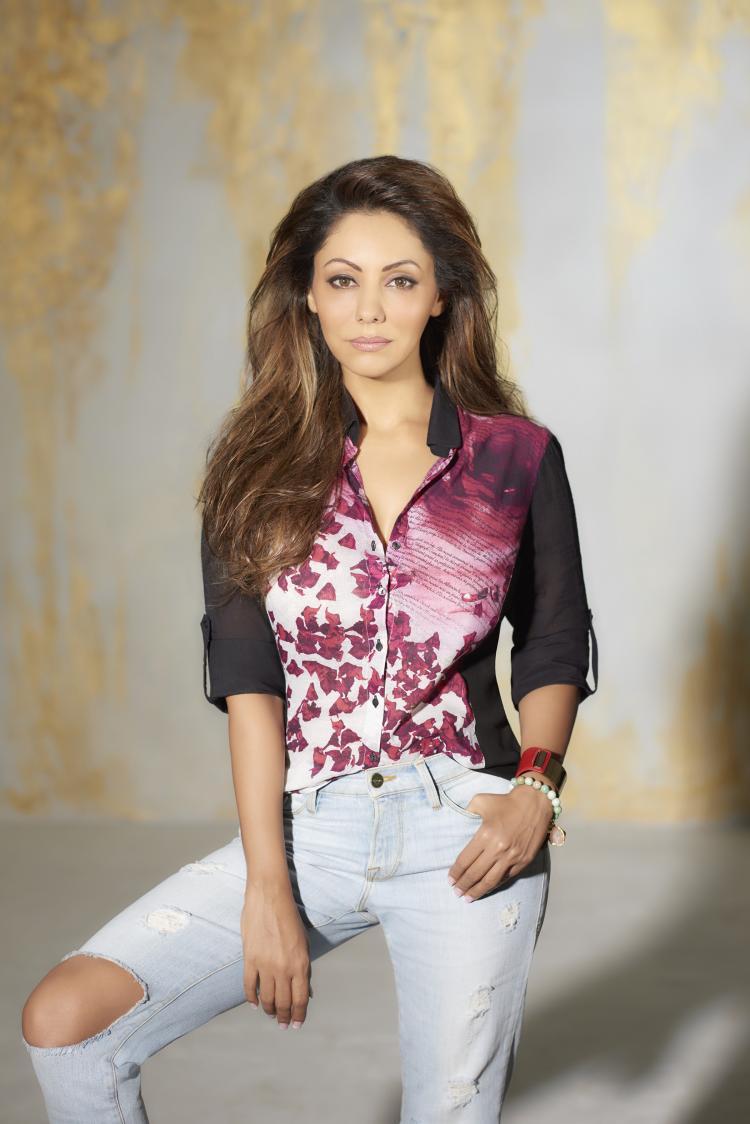 Gauri Khan Looks Hot And Stunning With Satya Paul Collection