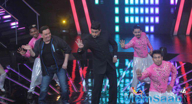 Rishi And Abhishek Enter To Promote All Is Well On The Sets IIJ Season 2