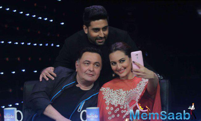 Sona,Rishi And Abhi Clicked A Selfie On The Sets Of Indian Idol Junior Season 2