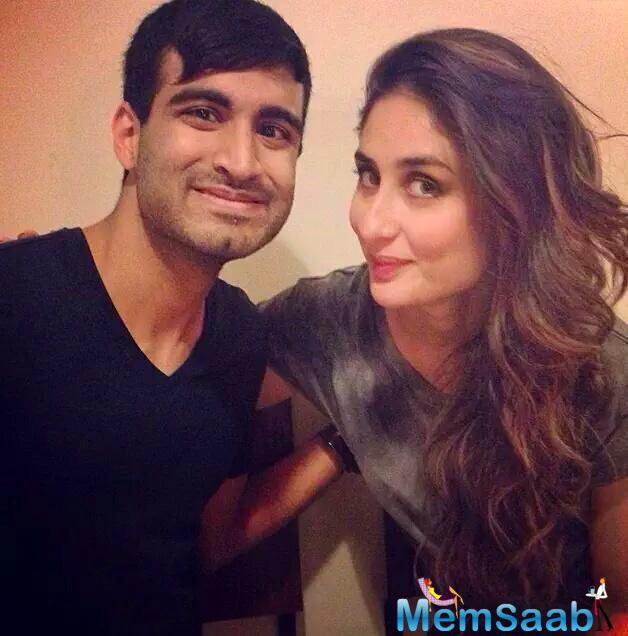 Kareena Kapoor Khan Is Clicked Here With A Fan On The Sets Of Her Movie 'Ki And Ka