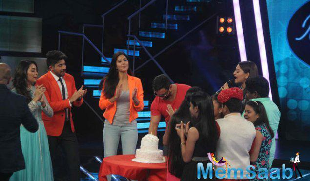 Saif  Turned 45 On August 16 And Celebrated His Birthday At Indian Idol Junior Stage