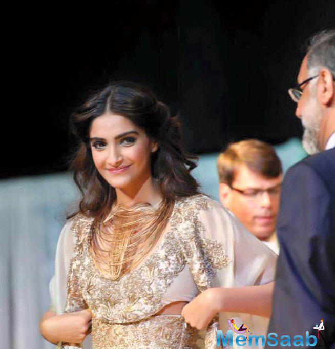 Sonam Kapoor Was All Smiles During The Show.