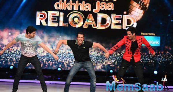 Salman Enjoy With Sooraj And Ganesh On The Stage Of JDJ