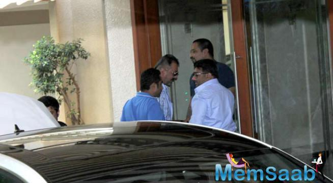 Sanjay Dutt Is Warmly Welcomed As He Reaches His Home In Mumbai