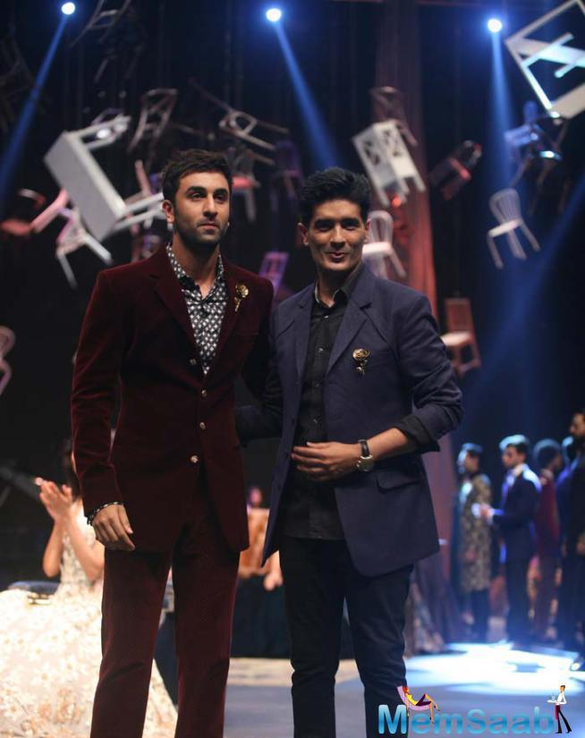 Ranbir Kapoor Turns Showstopper For Manish Malhotra's Menswear Collection At LFW
