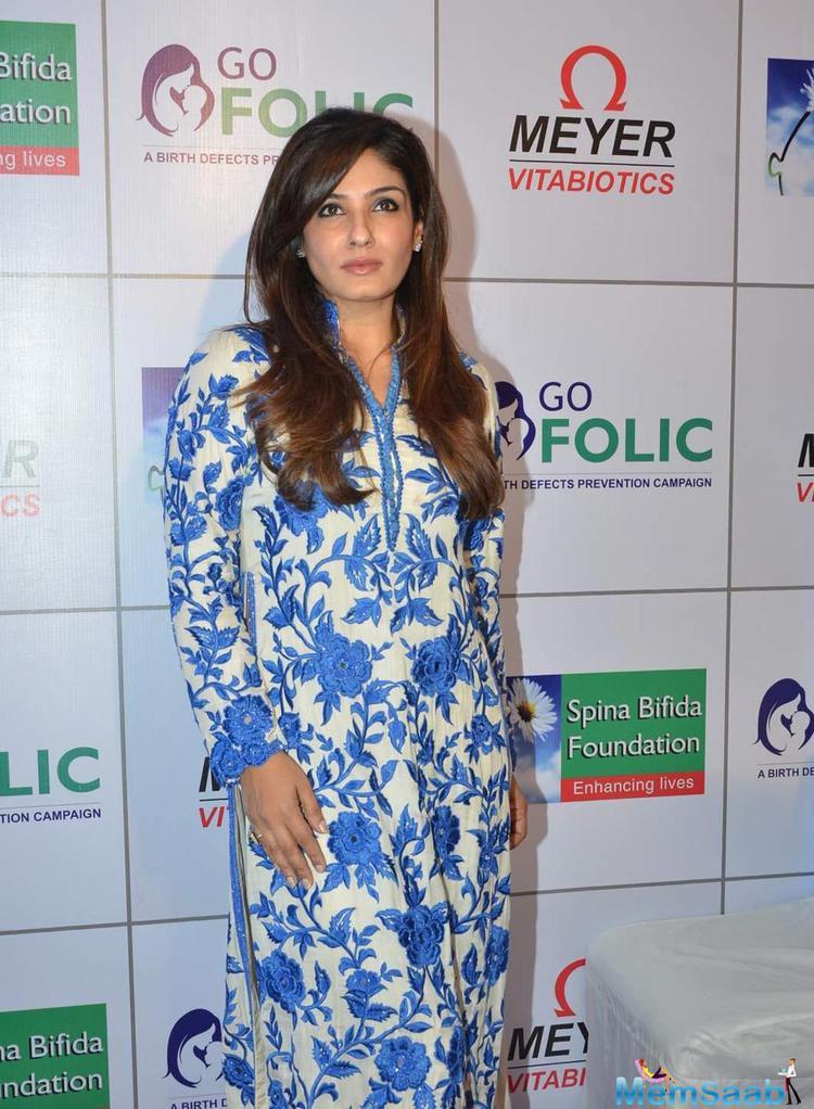 Raveena Tandon Looking Beautiful During The Go Folic Awareness Campaign