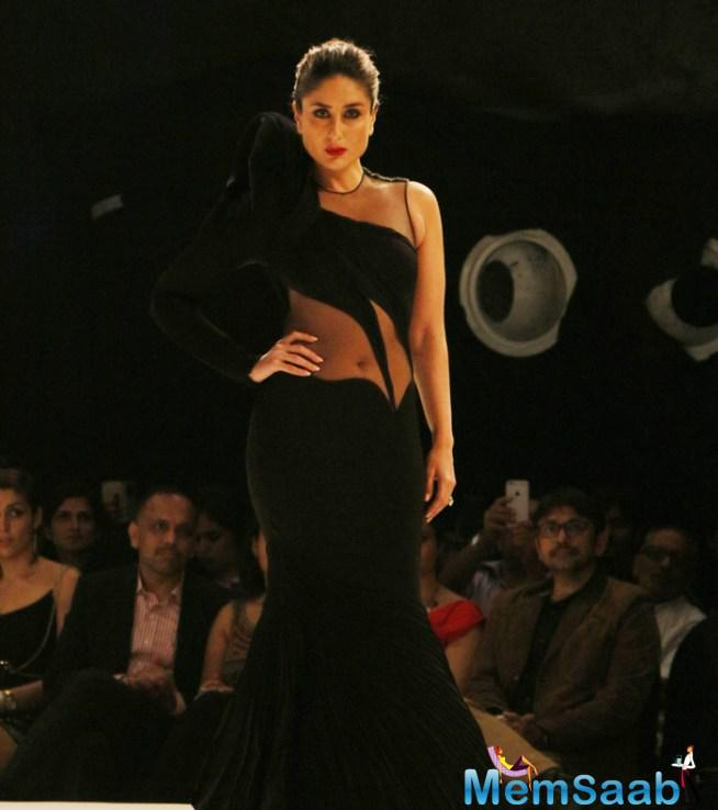 Sizzling Kareena Brings Down The Curtains At LFW 2015 With Gaurav Gupta