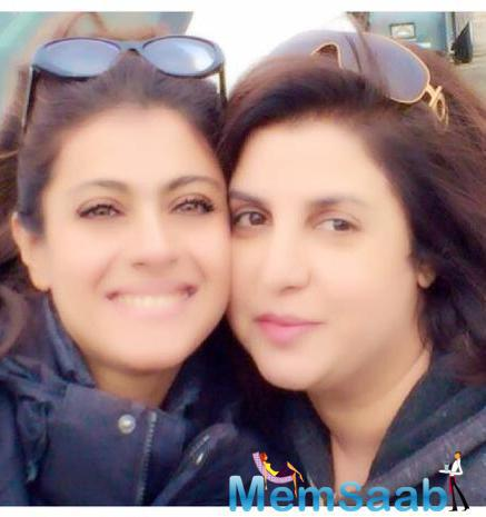 Stunning Babe Kajol And Farah Wrapped Up Party Still