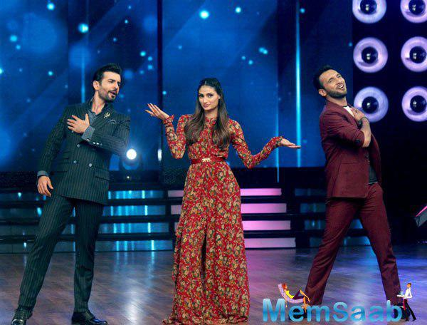 Athiya Shetty Shakes Her Legs On The Sets Of DID 5 Reality Show
