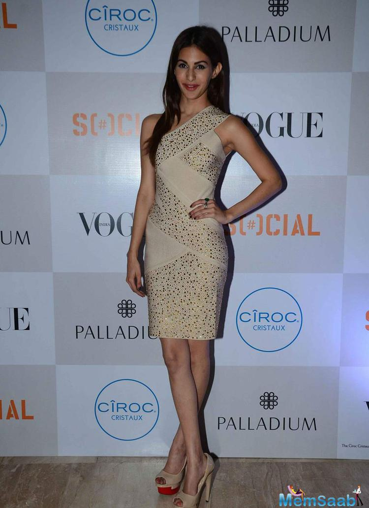Amyra Dastur In Short Dress Glamour Look During The Fashion's Night Out 2015