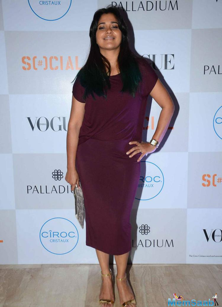 Narayani Shastri Cool Smiling Pose During The Fashion's Night Out 2015