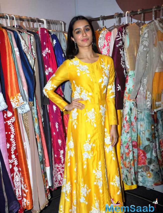 Shraddha Kapoor Pose During The Store Launch Of Her Aunt Padmini Kolhapure
