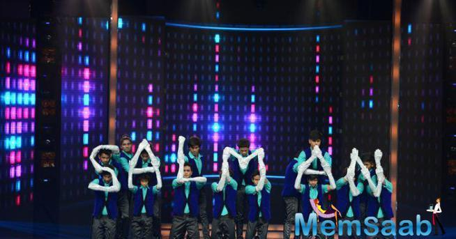 Dance + Contestant Respect Salman With His Name