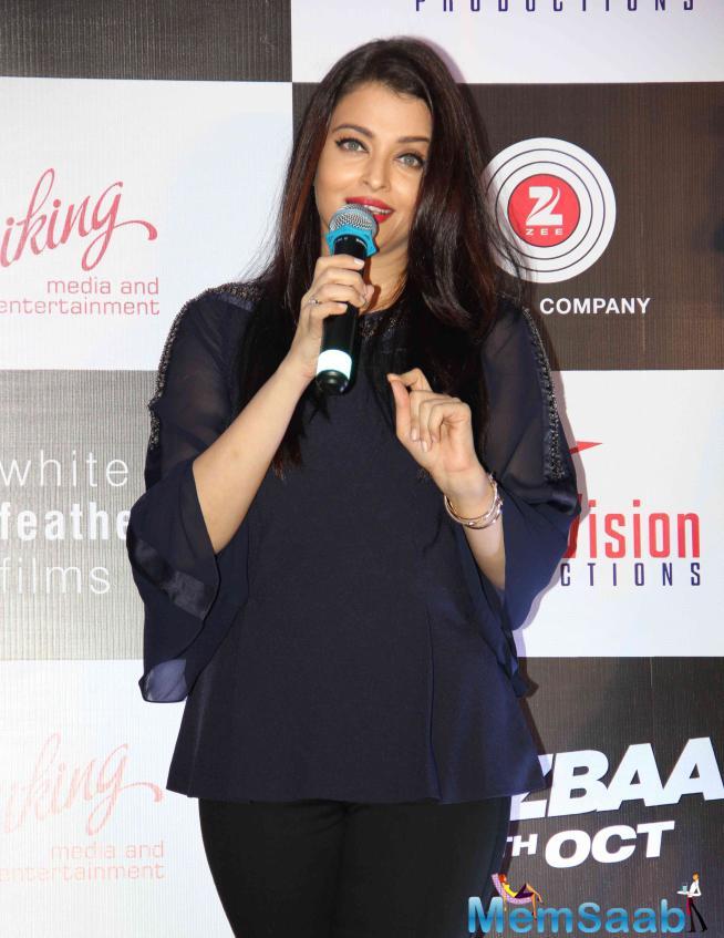 Aishwarya Interacting With Media During Bandeyaa Song Launch Event