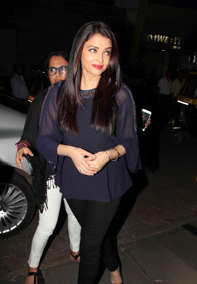 Aishwarya Rai Bachchan Had All Eyes On Her As She Made A Graceful Entrance