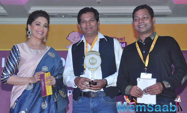 Madhuri Dixit Attend The Unicef India Radio4child Awards 2015