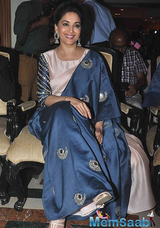 Smiling Madhuri Dixit Looked Lovely At The Unicef India Radio4child Awards
