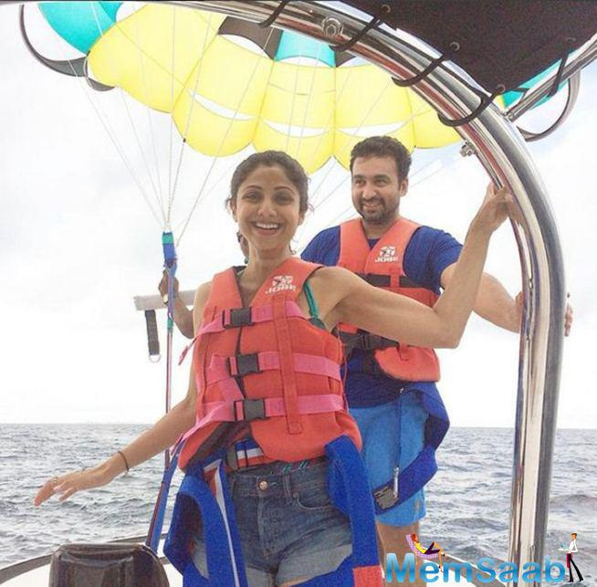 Shilpa And Raj Are Ready To Take Off For Parasailing