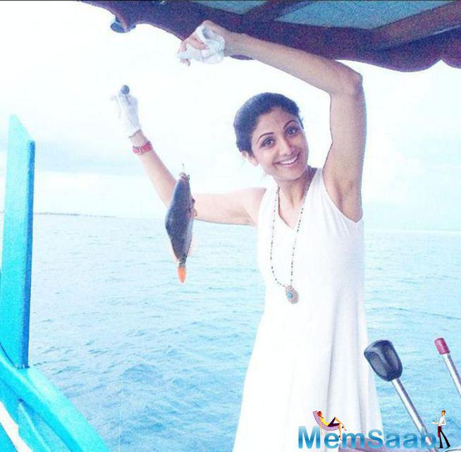 Shilpa Shetty Caught A Fish Which Looked So Pretty That She Left It Back Into The Water