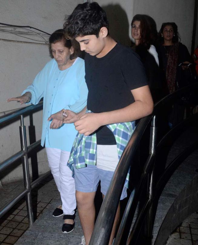 Akshay Kumar And Family Enjoyed A Movie Outing On Sunday