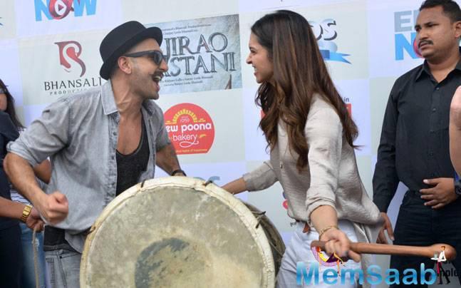 Ranveer Singh And Deepika Padukone Enjoying The Moment During The Launch Of Gajanana Song From Bajirao Mastani Movie