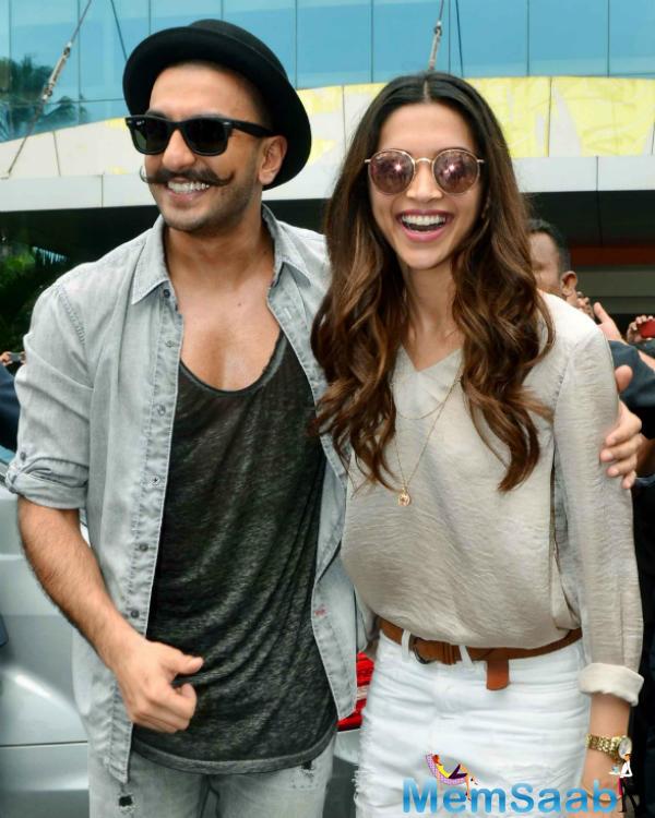 Ranveer Singh And Deepika Padukone Smiling Cool Look During The Launch Of Gajanana Song